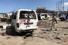 Un coche bomba causa al menos 92 muertos y 125 heridos en Mogadiscio