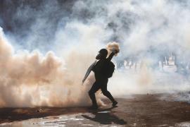 Prisión para los carabineros acusados de torturas y delitos sexuales durante las protestas en Chile
