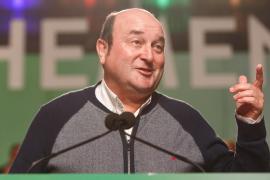 El PNV alcanza un acuerdo con el PSOE para apoyar la investidura de Pedro Sánchez