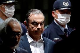 El expresidente de Nissan escapa del arresto domiciliario en Japón