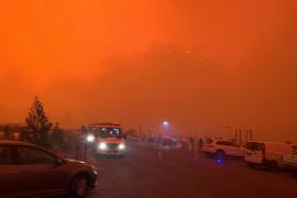 Muertos, desaparecidos y miles de atrapados por los incendios en Australia