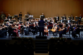 Valses vieneses y zarzuelas, en el repleto concierto de Año Nuevo de la Simfònica