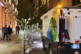 Emaya retira dos toneladas de basura en Nochevieja