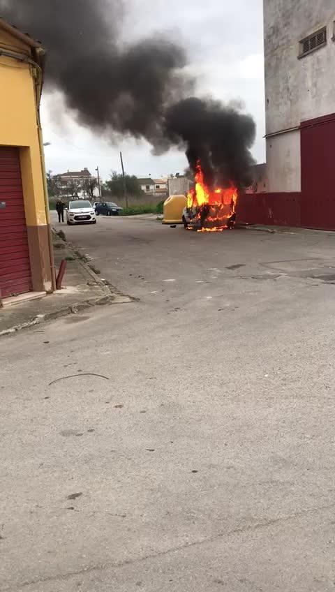 Arde un coche en sa Pobla