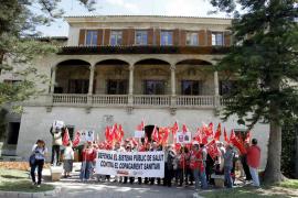 Unos 60 jubilados y pensionistas piden a Bauzá que «recapacite»