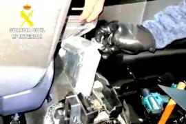 La Guardia Civil incauta cuatro kilos de cocaína en un control en el puerto de Alcúdia