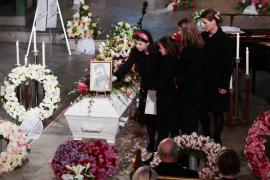 Noruega despide al exmarido de la princesa Marta Luisa en un conmovedor funeral