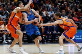 El Valencia Basket divisa los playoffs con otra remontada