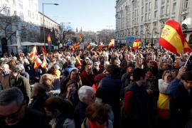 Miles de personas se manifiestan en Madrid por «el futuro de una España unida»