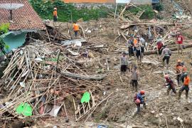 Así paró Indonesia las lluvias más violentas desde 1866