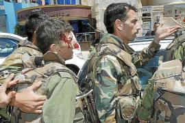 El ataque a un convoy de observadores evidencia la inseguridad de la misión en Siria