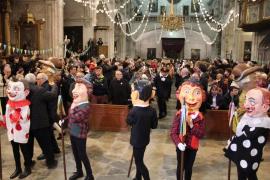 Un nuevo 'cercavila' reaviva la llama de Sant Antoni en sa Pobla