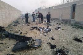 Un avión con 180 pasajeros se estrella en Irán