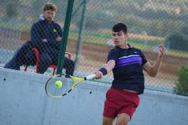 Carlos Alcaraz debuta con victoria en el ITF de Manacor