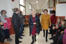 Manuela Carmena se queja del papeleo y dice que es «el virus de la Administración»