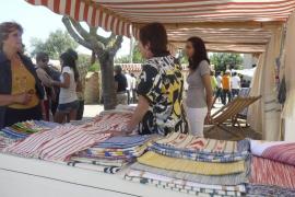 La ancestral confección de 'teles de llengües' teje de  color y tradición Son Carrió
