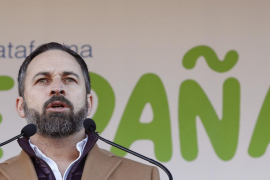 Abascal exige a Sánchez que «traiga detenido al golpista Puigdemont como él mismo prometió»