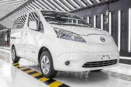 Nissan, líder en vehículos eléctricos en España con el LEAF y el e-NV200