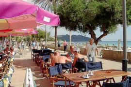 La revalorización de la libra aumentará  la inversión inmobiliaria y el turismo británico en Balears