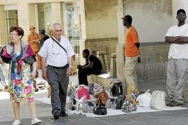 Comerciantes de la calle Sant Miquel denuncian un aumento de la venta ilegal
