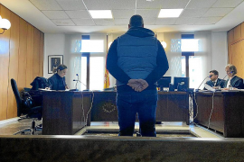 Acepta una multa por hacer un corte en el cuello a otro hombre en Palma
