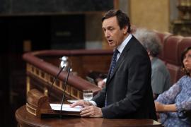 Hernando (PP) critica a Duque por hacerse «la picha un lío» con el iPad