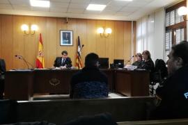 Condenados dos jóvenes por intentar ocupar una vivienda en Llucmajor