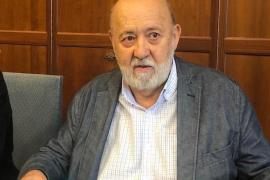 Sánchez mantiene a José Félix Tezanos al frente del CIS