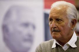 La UIB nombra 'doctor honoris causa' al escritor Carlos Fuentes
