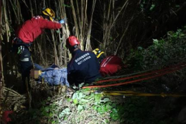 Rescatan a un hombre que cayó al torrente en Sóller tras alterar el orden y protagonizar una persecución