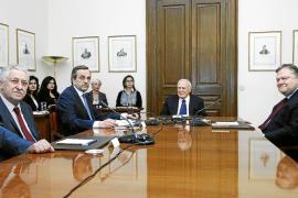 Un Gobierno de tecnócratas, última baza para evitar la salida de Grecia del euro