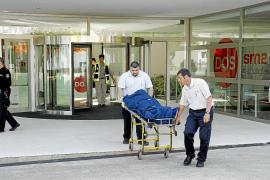 Un trabajador muere al caer desde más de diez metros cuando limpiaba cristales en el Parc Bit