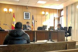 Condenado a una multa de 1.080 euros por golpear a un taxista en Muro
