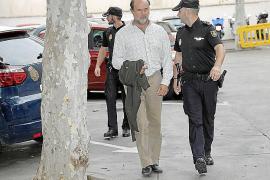 Detenidos por el 'caso ORA' exigen al alcalde Hila que se retracte