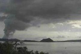 Cerca de 100.000 personas evacuadas en Filipinas tras la erupción del volcán Taal