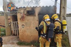 Arde un cuadro de contadores en la carretera vieja de Sineu