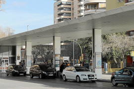 Los carburantes se han encarecido entre un 30 y un 40 % en la última década en Baleares