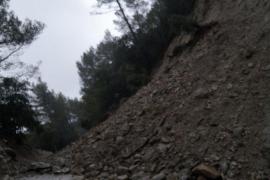 Cortes de carreteras y torrentes desbordados en Mallorca por el paso de la tormenta Gloria