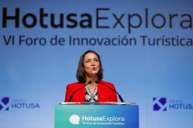 Maroto ve «valiente» la norma de Baleares para combatir el turismo de excesos