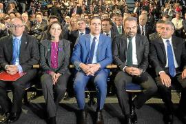 Escarrer advierte a Sánchez que revisar la reforma laboral afectará al empleo turístico