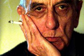 Fallece el poeta y ensayista chileno Armando Uribe