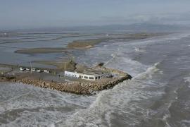 Vista general desde un dron de los efectos del temporal Gloria en el Delta del Ebro