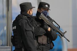 El ejército chino despliega personal médico para combatir el coronavirus
