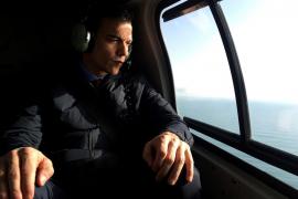 Indignación contra Sánchez por usar el helicóptero de la búsqueda del barranquista