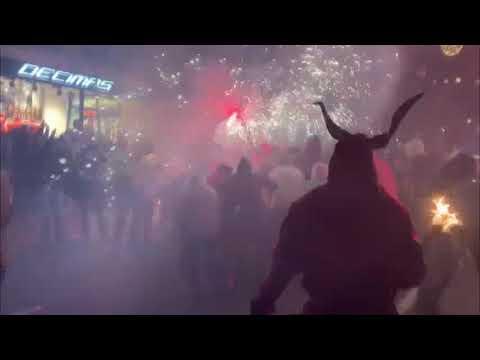 Sant Sebastià 2020 clausura sus fiestas con un rebelde y 'diabólico' Correfoc