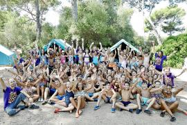El campamento de la Victòria bate récords y cuelga el cartel de lleno para junio y julio