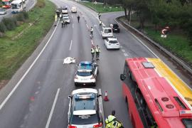 Una suicida se lanza desde un puente y provoca un accidente en la autopista de Llucmajor