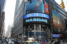Facebook capta 16.000 millones de dólares en su estreno en bolsa