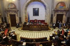 Enfado en Valencia por el bloqueo de Vox a una declaración sobre Auschwitz