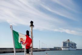 El Costa Smeralda, este jueves en el puerto de Civitavecchia